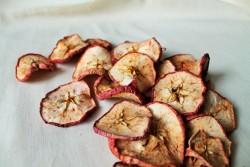 dziovinti-obuoliu-griezineliai-maistui-dekoravimui-kalediniams-vainikams